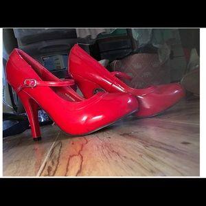 CumfyType heels